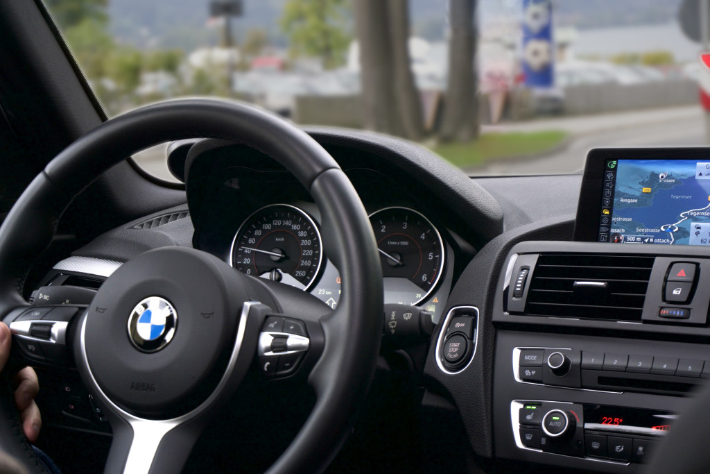 BMW Steering wheel, BMW interior, bmw navigation, bmw inside car, 2016 bmw interior, bmw driver's view, bmw dashboard view